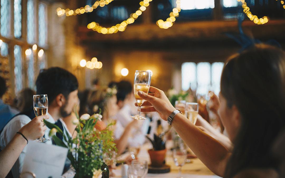 Celebrar un Evento: ¿Es Mejor tipo Cóctel o Sentados?